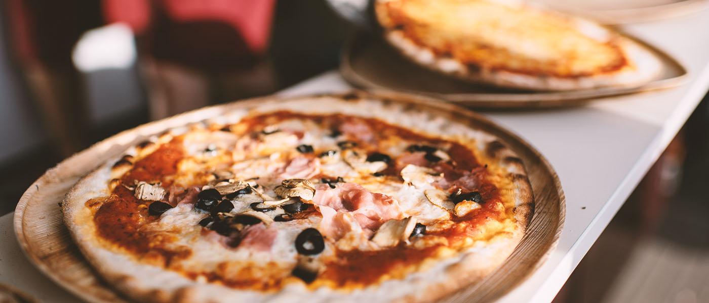 pizza-innovazione-fertige-pizza-aus-dem-ofen
